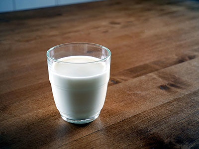 Questioning federal milk guidelines