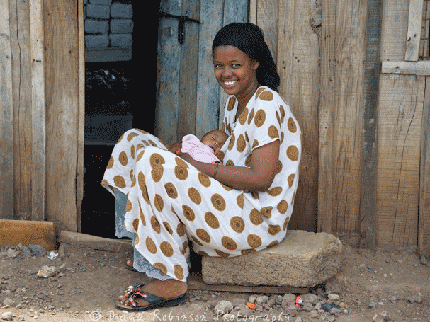 Postnatal health checkups at home by community health workers benefit mothers and babies in Kenya