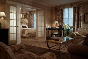 eliot_hotel_suite