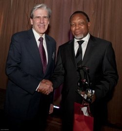 Dean Julio Frenk with South African Deputy President the Hon. Kgalema Motlanthe at the launch of the program in Pretoria in November 2011.