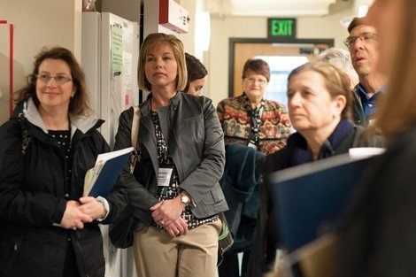 Health journalists toured HSPH labs.