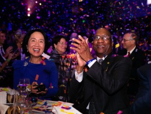 HSPH nutrition expert Lilian Cheung and Donald Hopkins, MPH '70, cheer the finale.