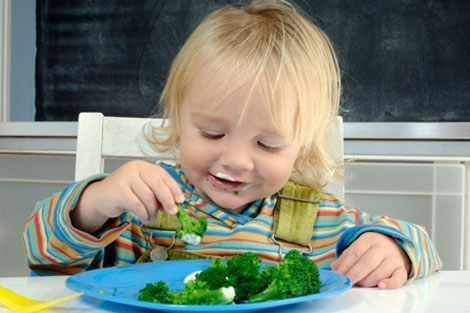 Child eating Broccoli nutrition