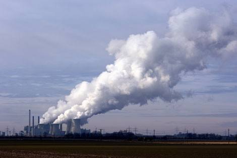 air pollution from a coal-fired power plant
