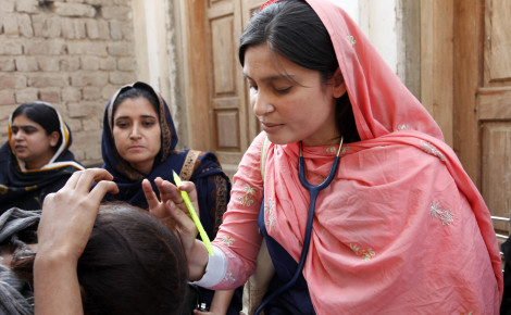 Female doctor with patient in Pakistan