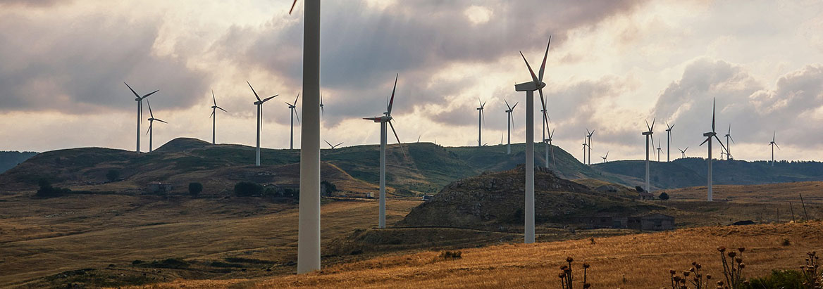 An 80×30 Clean Electricity Standard: Carbon, Costs, and Health Benefits