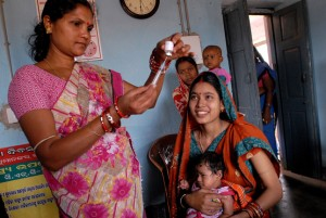 health worker maternal health mother baby clinic india