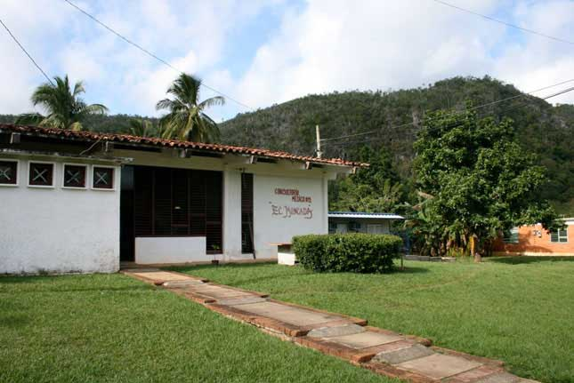 cuba clinic maternal to child transmission prevent HIV AIDS