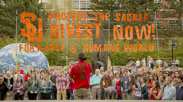 Sustainable Student Action (SSA) at a divestment rally in the Seattle University Quad. (image credit Backbone Campaign)