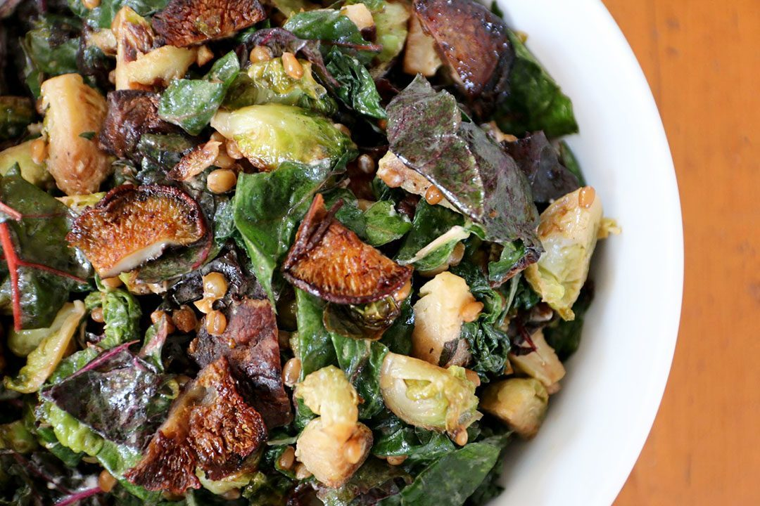 three green salad with wheatberries and mushroom bacon