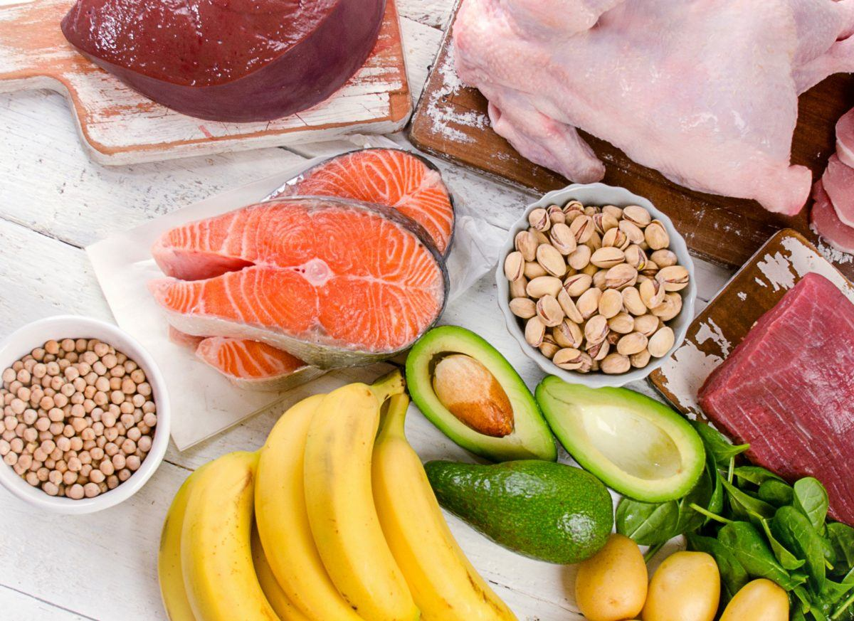 Foods naturally containing vitamin b6, including bananas, salmon, liver, tuna, chickpeas, poultry, dark leafy greens, bananas