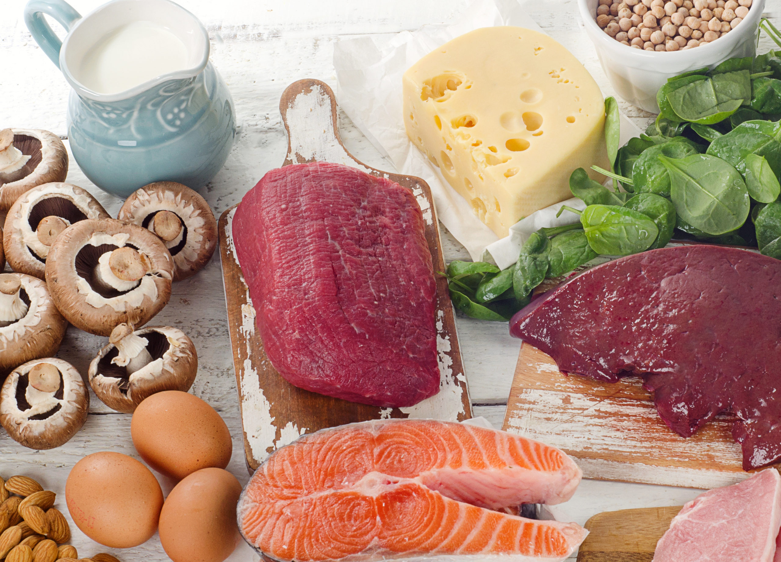 foods high in vitamin B2, including milk yogurt eggs salmon organ meats cheese spinach beans mushrooms