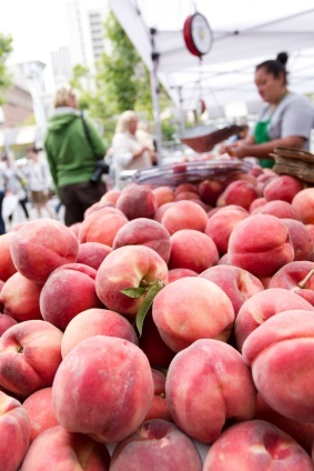 farmers market peaches (farmers_market_peaches.jpg)